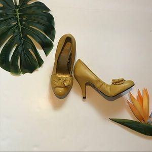 Seychelles mustard yellow heeled pumps